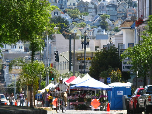 farmer's market at Noe and Market