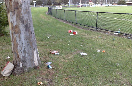 Litter, Edgewater oval