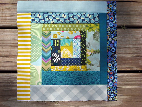 Bee Modern June - a traditional scrappy log cabin block