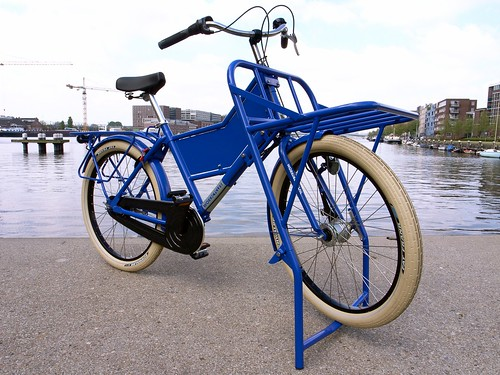 workcycles-fr8-massive-rack-blue 1