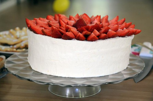 strawberry-lemonmousse-cake-2