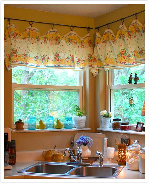 new kitchen curtains (take 3)