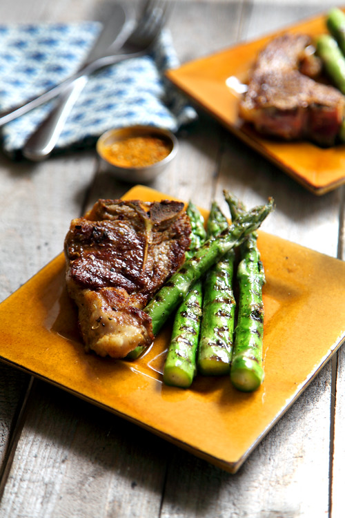 :: New Season Spiced Lamb with Simple Griddled Asparagus