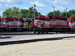 Meeting of the anniversaries (Robby Gragg) Tags: wsor wamx sd402 4183 gp392 3928 janesville