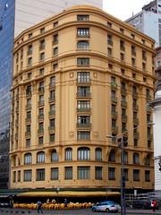 """DSCN0216 - O """"Amarelinho da Cinelândia """" - Rio de Janeiro -  Brasil (Marcia Rosa ()) Tags: amarelinho cinelandia yellow rj marciarosa janela ventana window arquitetura architecture building facade fachada urbano urban city downtown"""