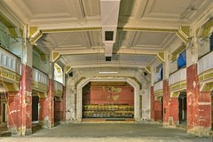 Mala Strana2 (Wieden-Blog.at) Tags: vienna wien abandoned austria theater stage ruin ruine destroyed hdr highdynamicrange ruined 1040 zerstrt bhne malastrana zerstrung wieden schaden verfallen ehemalig tonemapped aufgelassen wienvienna mittersteig
