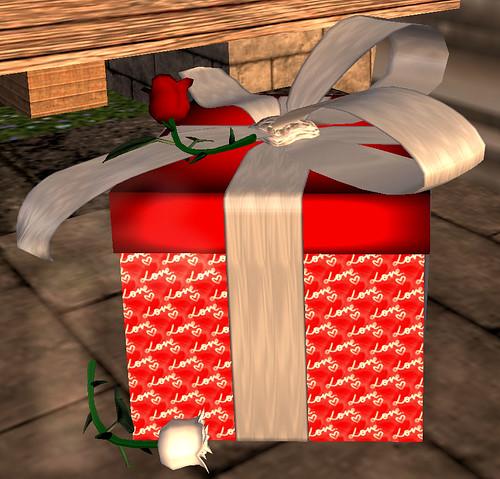 35L Roxie's Home Decor Valentine's Gift Box