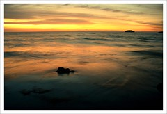 When the sun goes down (Dolly MJ) Tags: sunset sky sun color kotakinabalu redsky sabah kk tanjungaru beautifulsunset colorfulclouds kotakinabalusunset sabahsunset borneosunset beautifulkk