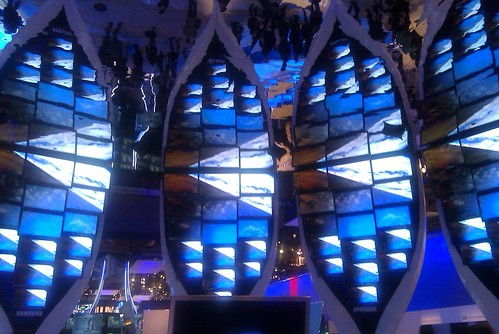 Samsung booth - kaleidoriffic