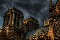 Notre Dame de Paris (sergio.pereira.gonzalez) Tags: cloud paris france color colour church sergio photoshop de la cathedral 4 cit capital catedral iglesia ile cathdrale igreja gonzalez notre dame nuage arrondissement francia franca eglise hdr couleur nube parigi pereira photomatix sergiopereiragonzalez