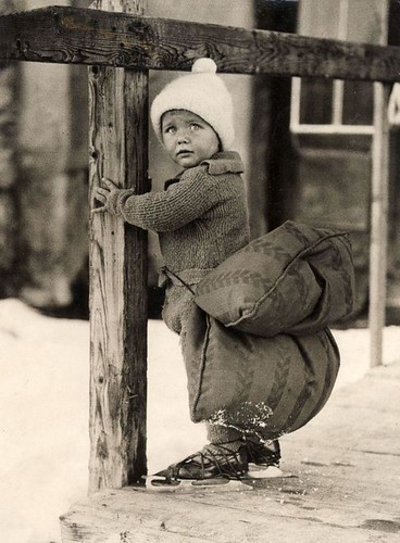 Young skater with safety cushion, 1933, Nationaal Archief / Spaarnestad Photo, SFA003000244.