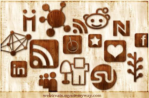 Free 108 Glossy Waxed Wood Social Media Icons
