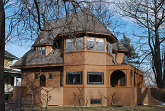 "Emmond House (1892), a Frank Lloyd Wright ""bootleg"" home in La Grange, Illinois (ihynz7) Tags: house architecture illinois historic franklloydwright bootleg lagrange moonlighting robertemmond emmondhouse"