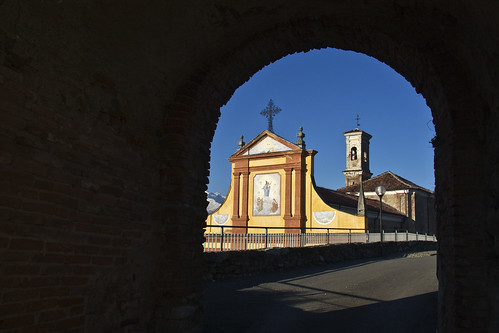 Town's Church of San Giovanni Battista #4 (by storvandre)