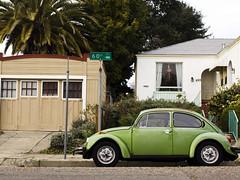 punch buggy green (greenkozi) Tags: house green car oakland utata vehicle punchbuggy vwbug lastweek 35mm14l northoakland 50d utata:project=tw197 thursdaywalk197