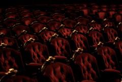 Opera rouge (red opera) (Manotche-Kat (GAP)) Tags: red paris france net french rouge opera europe pentax empty seat ghost opra garnier franais flou sige visite fantme vide archi trange pentaxk10d garnierpaslechampoing