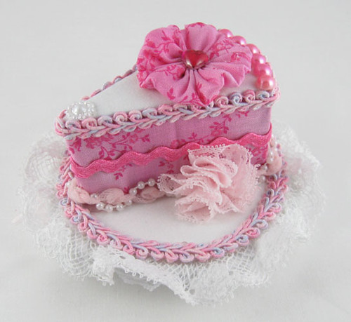 PinkCakeHat1 by Sweet_Suzette.
