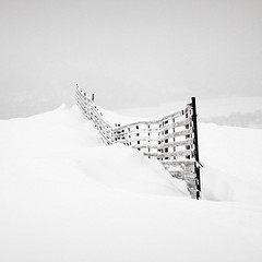 Barricade (p i c a) Tags: winter mountain snow fence river landscape frost sweden valley sn jmtland winterscape duved indalslven
