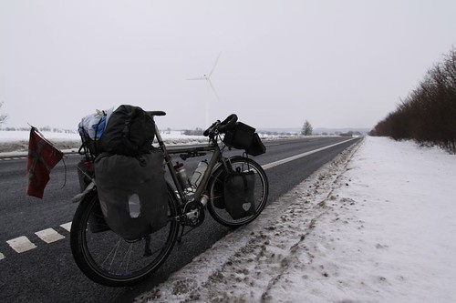 The windmill tells it all: headwind (icy)