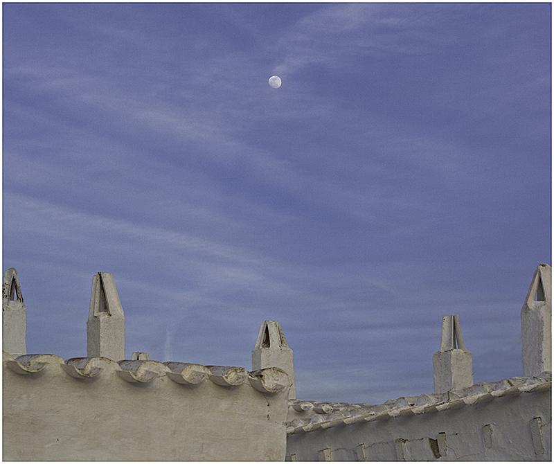 Y la luna..