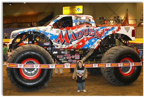 4433325735 0ecac77339 MADUSA Monster Truck