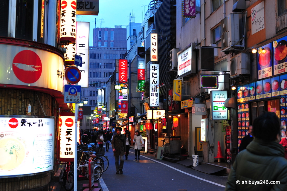 So many great side streets to discover in Kabukicho. You can always be surprised by what you will find down these streets.