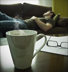 Siesta y caf (Eduardo Quiroga) Tags: coffee caf work milk trabajo siesta leche fz18