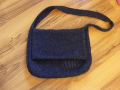 Andi messenger bag
