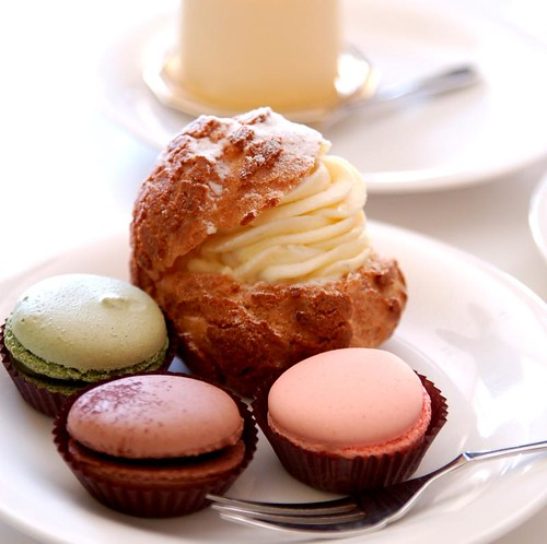 Macarons and Profiterole