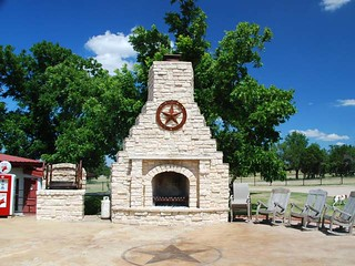 V-Bharre Ranch Outdoor Fireplace