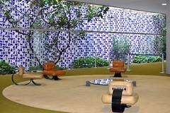 Oscar Niemeyer, Burle Max e Athos Bulco (IngeKhn) Tags: brazil max niemeyer brasil oscar parliament congress burlemax brasilia congresso burle athos cmara greenroom praadostrspoderes oscarniemeyer athosbulco bulco cmaradosdeputados saloverde