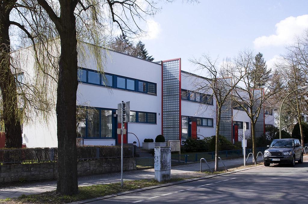Bauhaus huser bauen moderne huser am hang bild bild with - Architekt bauhausstil ...