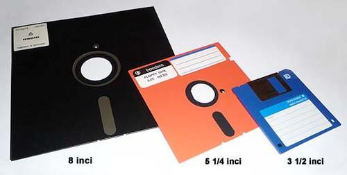 Floppy disk 8 inch, 5,25 and 3,5 inch, IBM, Alan Shugart, disket, floppy disc, floppy disk, sejarah, asal usul, Apple Computer