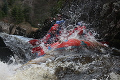 white water rafting 17 may 2010 upper river Findhorn with Full On Adventure