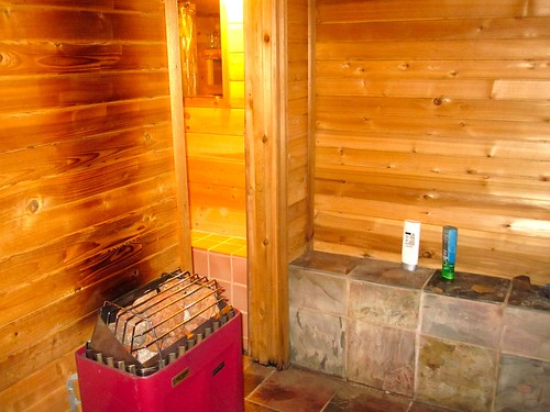 ve always wanted to build a sauna in my own basement when my parents
