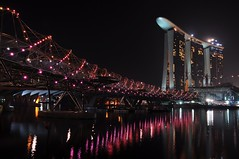 Marina Bay Sands (Rosanna Leung...away for 2 weeks) Tags: bridge marina hotel bay singapore casino sands singaporeriver pedestrain marinacentre  marinasouth    helixbridge   marinabaysands irsingapore