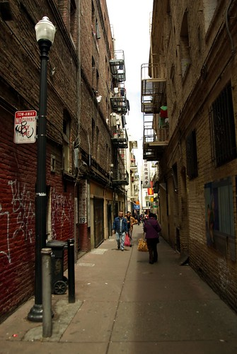 San Francisco Chinatown - alleyway