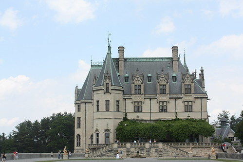 Side profile of the Biltmore Estate