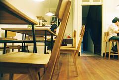 2010.05.23 上海·靜安別墅hypo cafe&shop (sylvviahsu) Tags: film minoltax370 hypo outofdate fujixtra400 roll59 seagull24mmf28