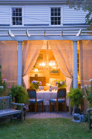 img_party-patio_ss1