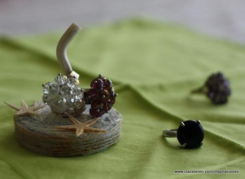 Manualidades: Un anillero realizado con una cabeza de ajo.