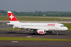 HB-IPX 1 Airbus A319-112 Swiss International Airlines DUS 28MAY10 (Ken Fielding) Tags: hbipx airbus a319112 swissinternationalairlines aircraft airplane airliner jet jetliner