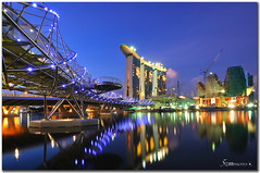 Singapore marina bay sands (fiftymm99) Tags: blue reflection nikon singapore casino hour bluehour singaporeriver marinabay singaporehotel helixbridge fiftymm marinabaysands nikond300 doublehelixbridge resortworld fiftymm99