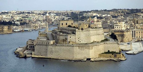 Fort St. Angelo and Vittoriosa (the former capital of Malta), to
