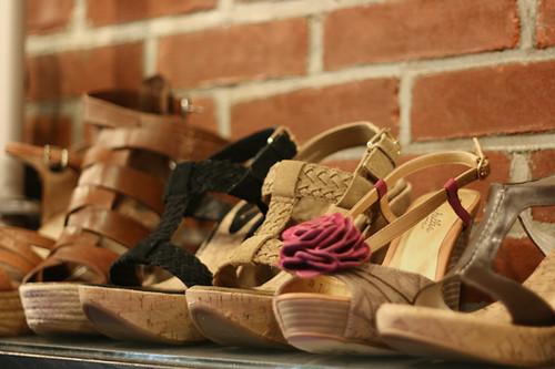 nyc newyorkcity newyork shoes sandals manhattan soho flipflops cheap meatpacking gladiators womensshoes affordable mensshoes styish esperadilles