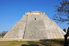 Mexico-6286 - Pyramid of the Magician (archer10 (Dennis) 195M Views) Tags: travel holiday mexico site nikon ruins maya dwarf yucatan free mayan dennis jarvis uxmal 2010 d300 iamcanadian pyramidofthemagician 18200vr pyramidofthesoothsayer 70300mmvr dennisjarvis archer10 dennisgjarvis pyramidofthedwark