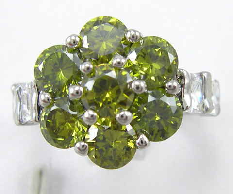 White Gold peridot cluster ring