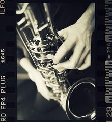 (s)tinto brass (Bernardo Marchetti) Tags: white black film 35mm bn plus sax brass bianco ilford fp4 nero pellicola sassofono