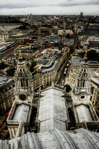 St Paul's Cathedral towers. London. Torres de la catedral de San Pablo. Londres