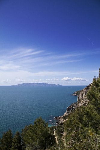 Giglio Island from Argentario (by storvandre)